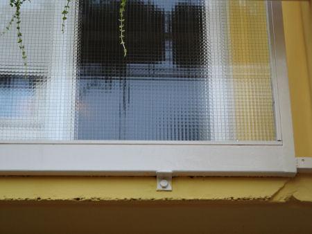 Az erkélyfelújítás során kicserélt üvegszorítók